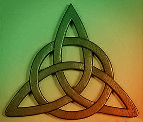 useful guide to the celtic trinity knot a traditional celtic symbol ...